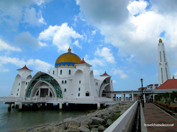 The mosque looked as if it's floating on water when the water rises up nearing to the platform.