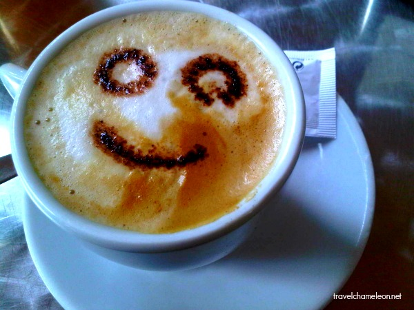 Ola Spain! The cappucino comes with an amazing smile. A pleasant greeting on our first day.