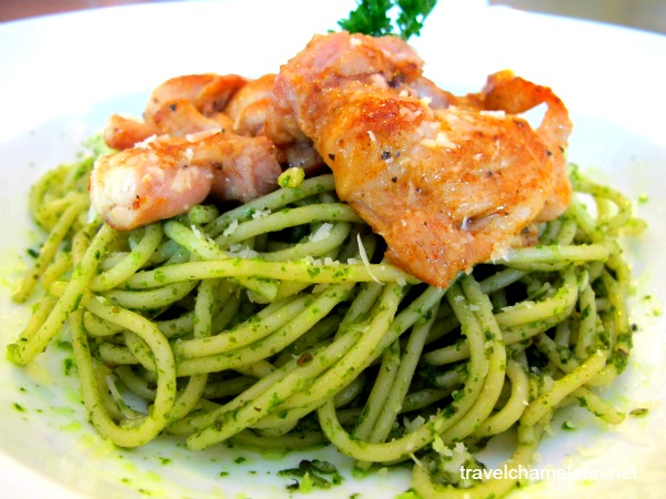 Pesto pasta with grilled chicken was just nice, portion wise and taste wise.