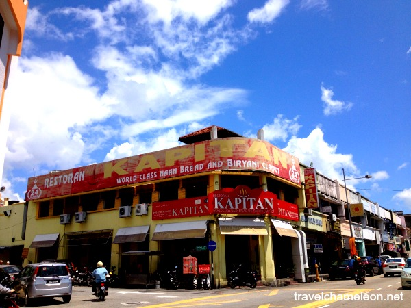 Restoran Kapitan is where the world class naan and briyani claypot is located.