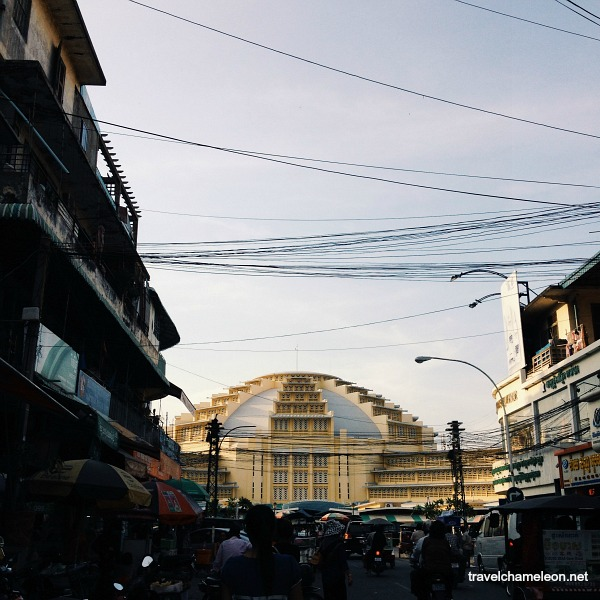 The dome shaped Central Market built in 1937 is a good place to buy jewelry and souvenirs.
