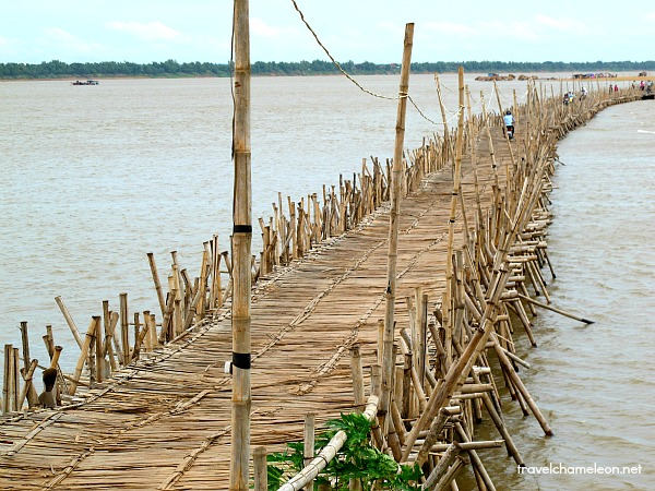 Look at the structure of the bridge. Can you see how it's put together? This long bridge gets washed off every rainy season.