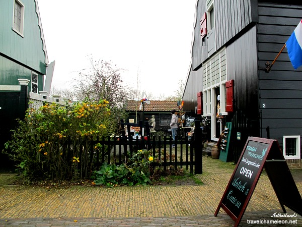 Trash & Treasures, an antiques shop in Zaanse Schans.