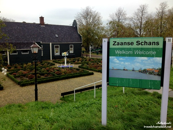 A lovely welcome by Zaanse Schans.