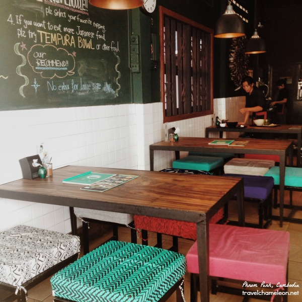The cute interior of the Japanese Udon. Green Bowl Cafe.