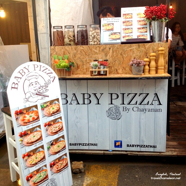 If you're not so hungry, you can try this Baby Pizza in Artbox.
