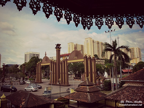 Standing at the balcony looking down at the arch entrance of Kota Bharu.
