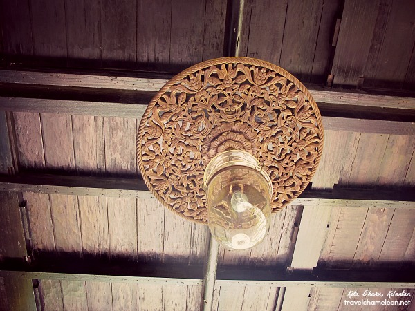I love these carved light ornaments which can be seen in Jahar Palace.