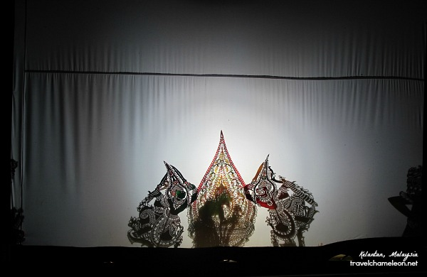 Watch a wayang kulit show at Pak Dain's gallery, for a glimpse of Kelantanese art.