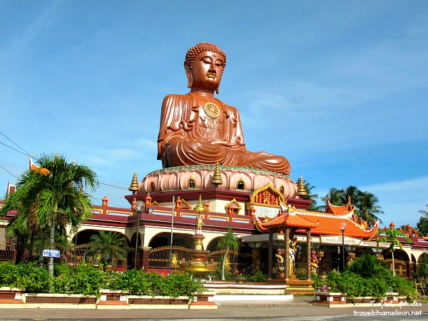 Wat Machimmaram has a large sitting Budda in its' compound.